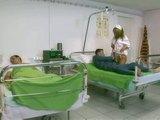 Pielęgniarka łagodzi ból