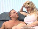 Blondi szaleje z mięśniakiem