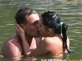Lucy Belle seks w rzece