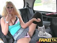 Gwiazda uwodzi taksówkarza
