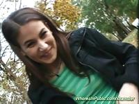 Młoda Cindy w parku