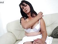 Samotna mamusia chce orgazmu