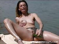 Amatorka bawi się na łódce