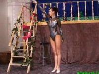 Trening elastycznej gimnastyczki