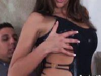 Anna Nova domaga się seksu