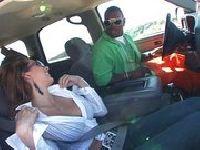 Autostopowiczka obciąga murzynowi