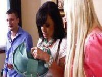 Lisa Ann i Nikki Benz szaleją z kolegą