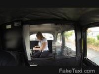 Niewinny powrót do domu taksówką