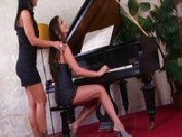 Soczyste pianistki