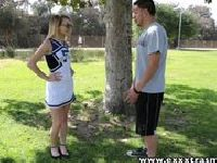 Apetyczna cheerleaderka Stephani