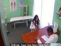 Doktor posuwa Aleksandrę