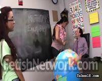 Studentka uczy się obciągania