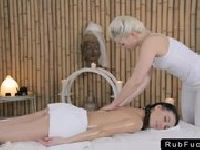 Wspólny masaż cipkami