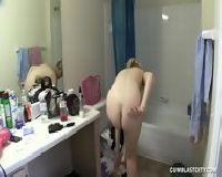 Amatorzy pieprzą się pod prysznicem