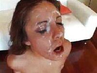 Jeszcze więcej spermy na twarz