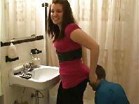 Kuzynka w łazience
