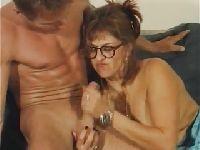 Wytrysk na babcię