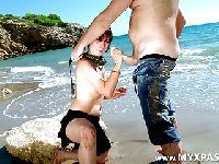 Lodzik na plaży