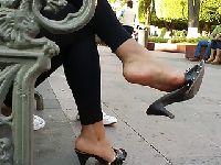 Stópki wiercą się w bucikach