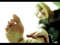Gładkie stopy sekretarki