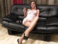 Tancerka z fajką w buzi