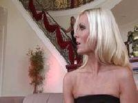 Phoenix Marie zabawia się z Brandi Edwards
