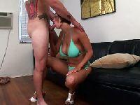 Seksowna lala i jej cycuszki