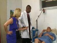 Doktor bada dwie cipeczki