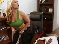 Rozbieranie w biurze
