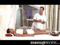 Niesamowity orgazm podczas masażu