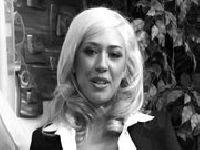 Kagney Linn Karter w starym filmie