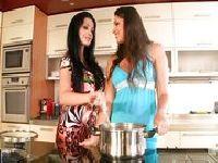 Cipki gotują obiad