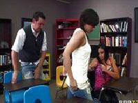 Seks w bibliotece