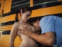 Nastolatki w autobusie porno