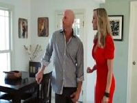 Johnny Sins i mamcia w czerwonej sukience
