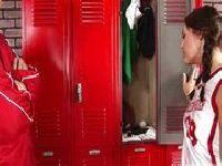 Cheerleaderka po treningu