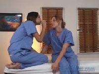 Studentki medycyny badają cipki