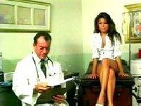 Doktor ma ochotę na pacjentkę