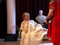 Kleopatra puszcza się ze strażnikiem