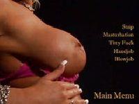 Candy Manson pokazuje piersi