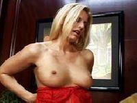 Podobają ci się moje piersi?