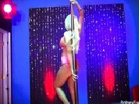 Britney Amber tańczy za pieniądze