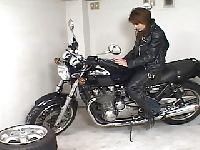 Japońska motocyklistka