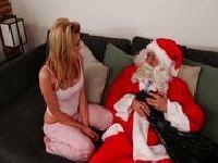 Mikołaj dupczy nastolatkę