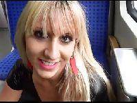 Lena puszcza się w pociągu