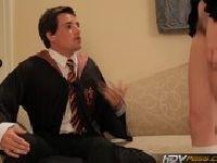 Puszczalska uczennica ze szkoły dla czarodziejów