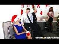 Świąteczna orgia w pracy