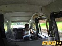 Seks z tyłu taksówki