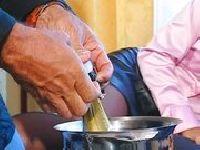 Julie Silver miętosi chuja w buzi