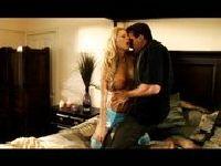 Kochanek wpada w jej ramiona
